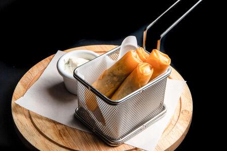 Фатаиры с сыром сулугуни и соусом айоли