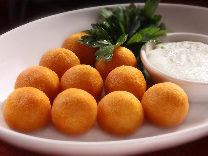 Сырные шарики с укропом