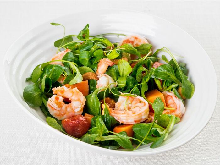 Зеленый салат с крабом, креветкой и папайей