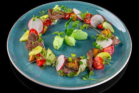 Романтический салат с нежнятиной