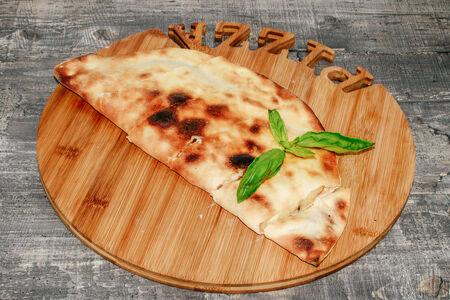 Пицца Деревенская с ветчиной и помидорами
