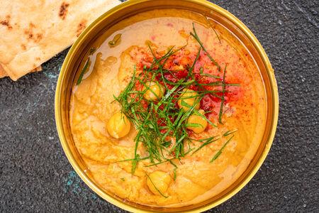 Хумус с теплой питой