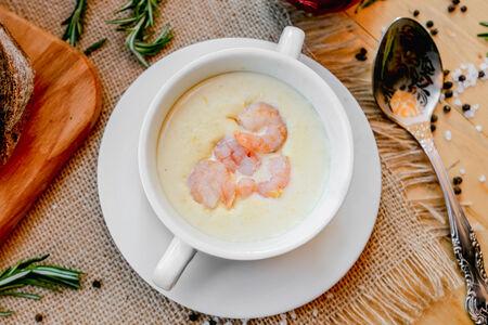 Крем-суп с кукурузой и креветками