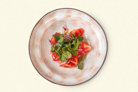 Салат Сладкие помидоры с красным луком
