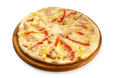 Пицца с курицей, ветчиной и ананасами