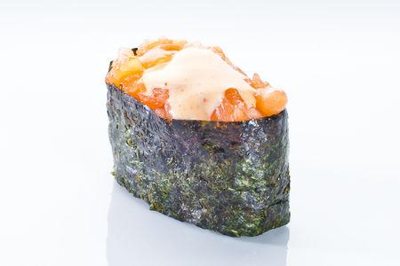 Гункан спайси с лососем