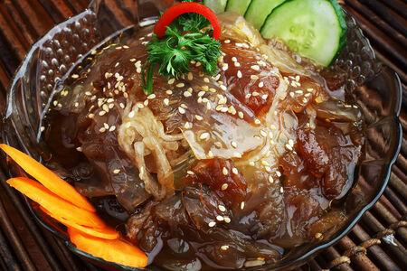 Салат Медуза с говядиной и овощами