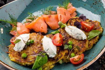 Драники картофельные с лососем