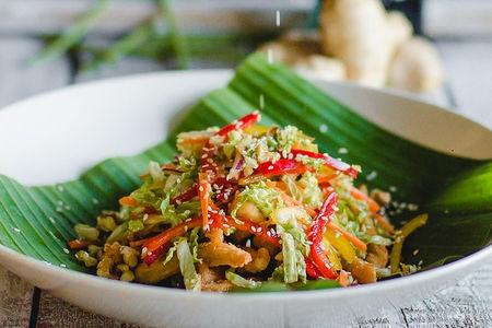 Салат с курицей в тайском стиле