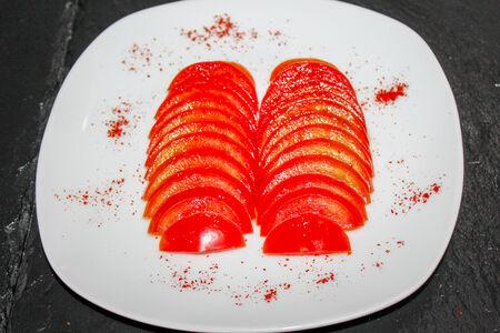 Салат из помидоров в кунжутном масле
