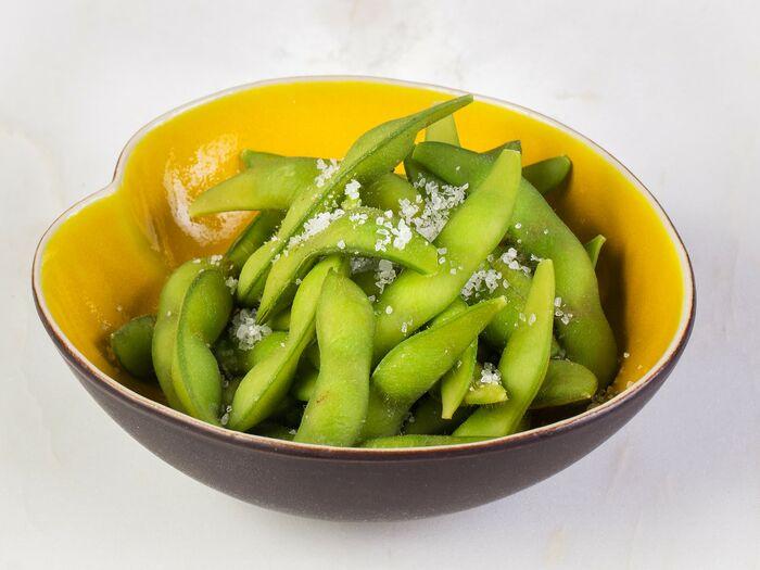 Зеленые бобы эдамамэ