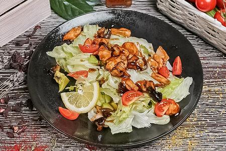 Салат тёплый с лососем
