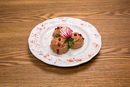 Красное лобио с орехами и капустой по-гурииски