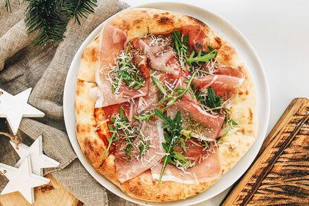 Пицца Прошутто, руккола и вяленые томаты