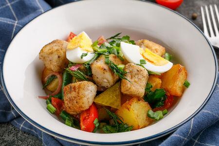 Салат с судаком и картофелем