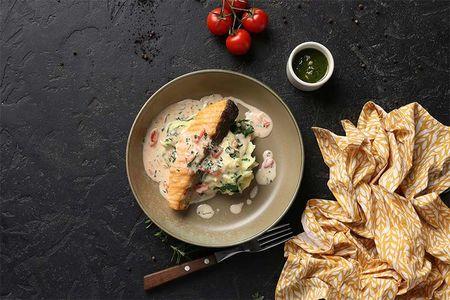 Филе лосося с пюре