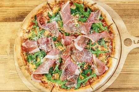 Пицца Парма с рукколой