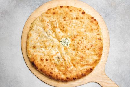 Пирог со свекольными листьями  и осетинским сыром