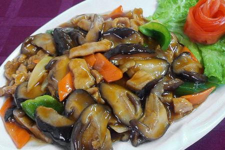 Свинина с грибами шиитаке