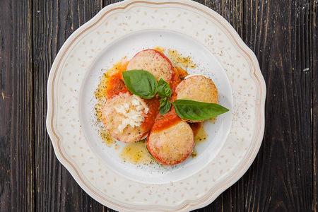 Баклажаны, запеченные с томатами
