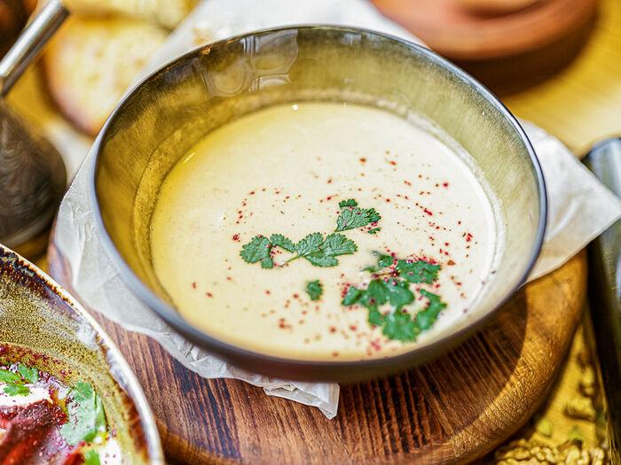 Суп с морепродуктами в азиатском стиле