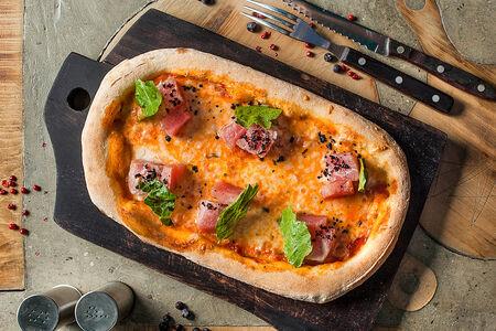 Пицца с консервированным тунцом
