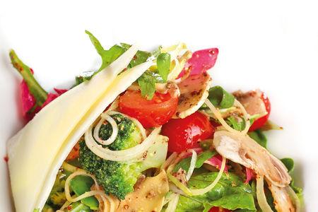 Салат овощной По-деревенски с горчичной заправкой