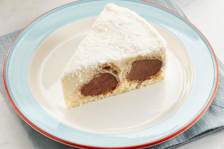 Торт Сливочно-банановый с профитролями порция