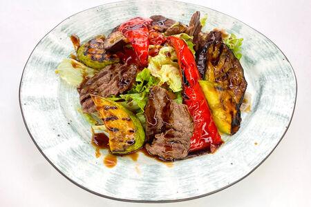 Гриль-салат с говядиной