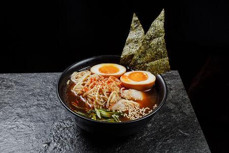 Японский суп Рамен с цыплёнком
