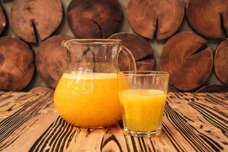 Свежевыжатый сок апельсин
