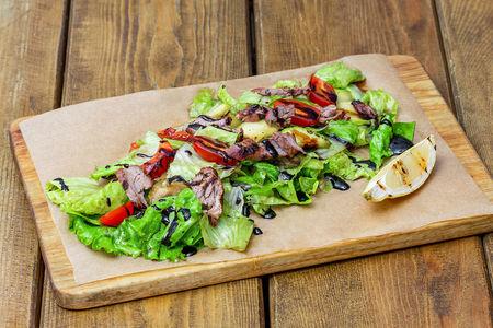 Салат теплый с мраморной говядиной