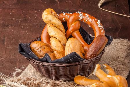 Хлебная корзина с ароматным маслом
