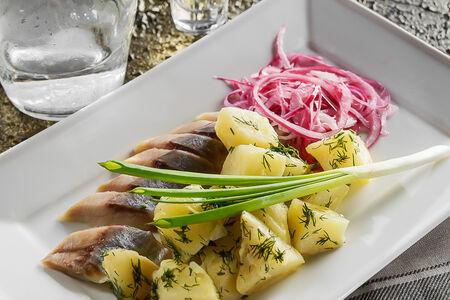 Селедочка с картофелем