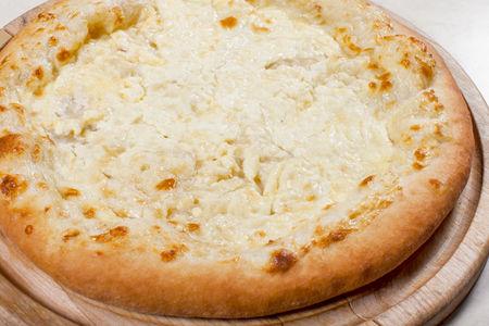 Пицца Хачапури три сыра