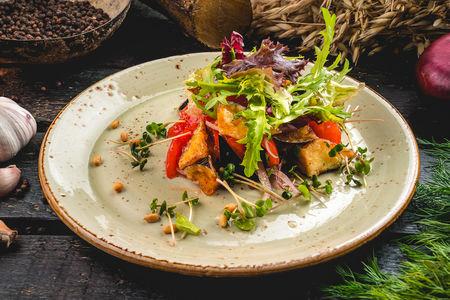 Салат Пряный из жареных баклажанов