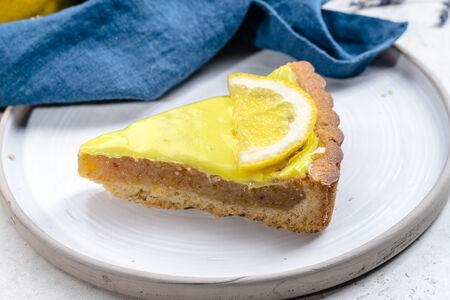 Пирог песочный с лимоном