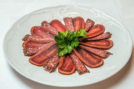 Тарелка грузинских деликатесов