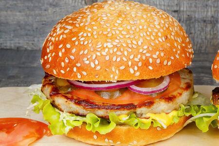 Бургер S с куриной котлетой