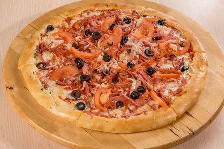 Пицца Мясное ассорти с курицей