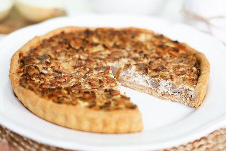 Пирог с языком и грибами