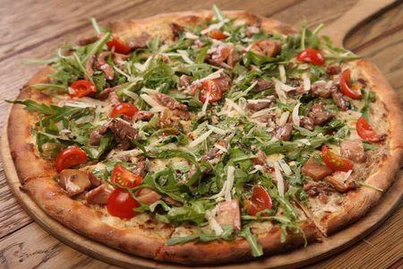 Пицца с говядиной и грибами