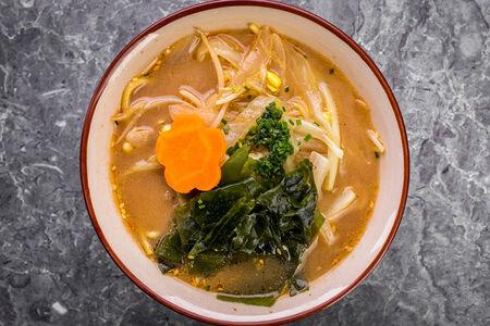 Суп Мисо рамэн с овощами
