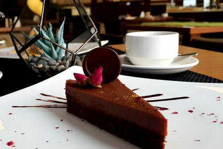 Торт Брауни с муссом из темного шоколада