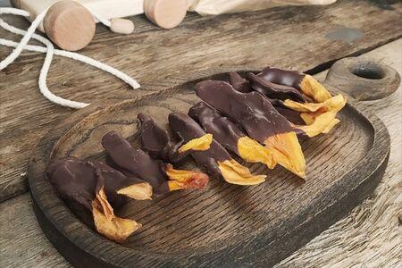 Манго в ремесленном шоколаде
