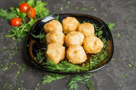 Горячие шарики с лососем