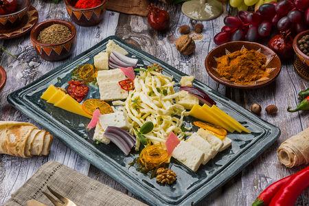 Ассорти сыров из Армении
