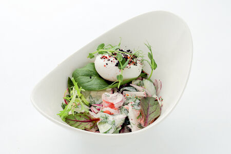 Салат Деревенский с яйцом Пашот