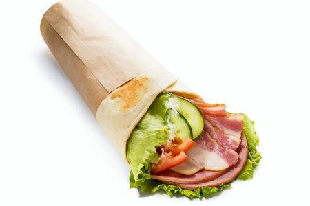 Сэндвич-ролл с ветчиной и беконом
