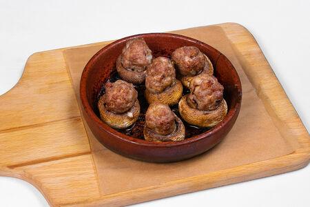 Грибы, запеченные с мясом